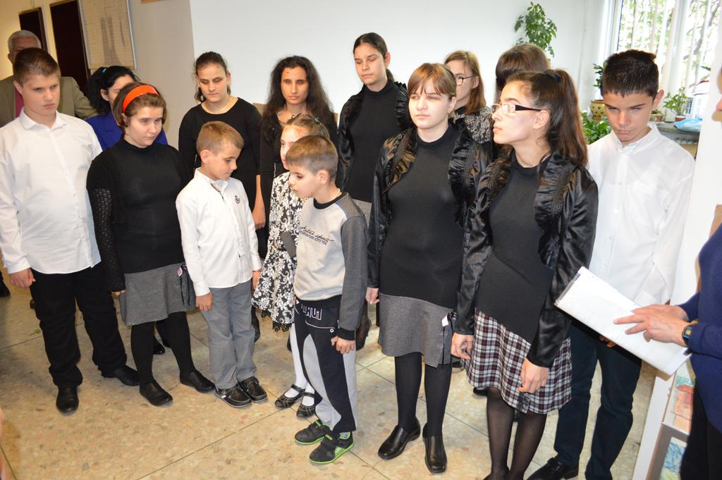 """Вокална група """"Усмивки"""" към СОУ за деца с нарушено зрение """"Луи Брайл"""""""