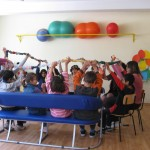 Работата протича в малки групи съобразно възрастта и уврежданията.